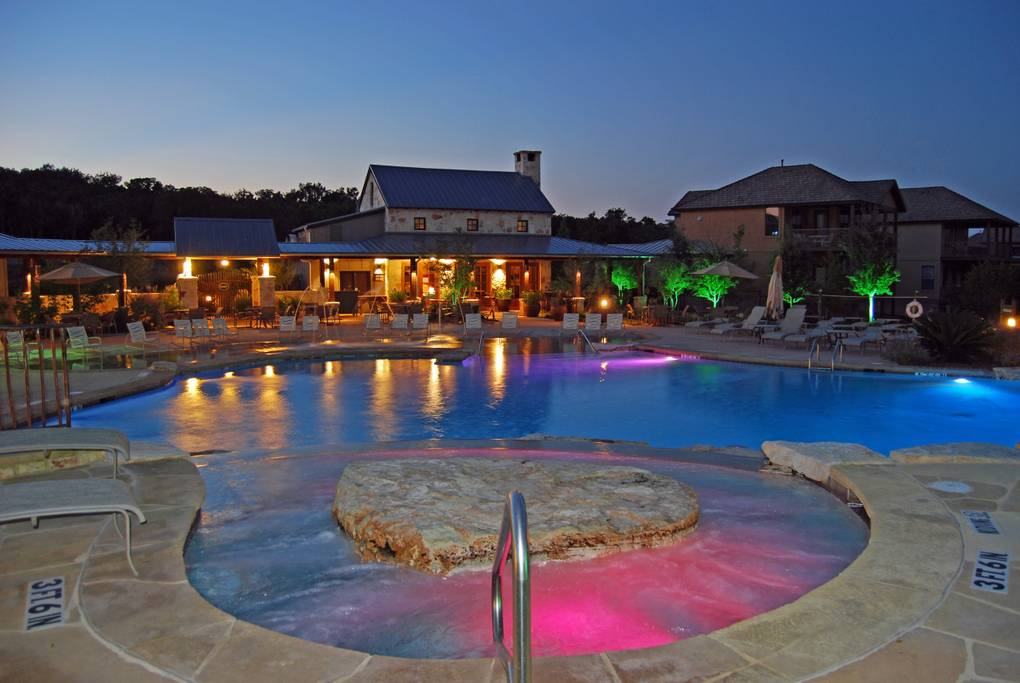The Hollows On Lake Travis Resort